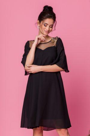 Rochie eleganta din voal negru cu croi larg vaporos accesorizata cu broderie Sabri