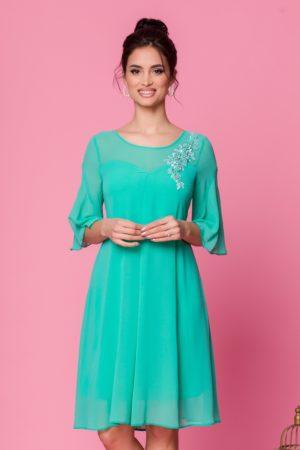 Rochie eleganta din voal verde mint cu croi larg vaporos accesorizata cu broderie Sabri